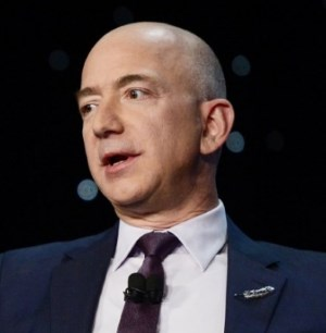 Jeff Bezos is the currently the CEO of Amazon.